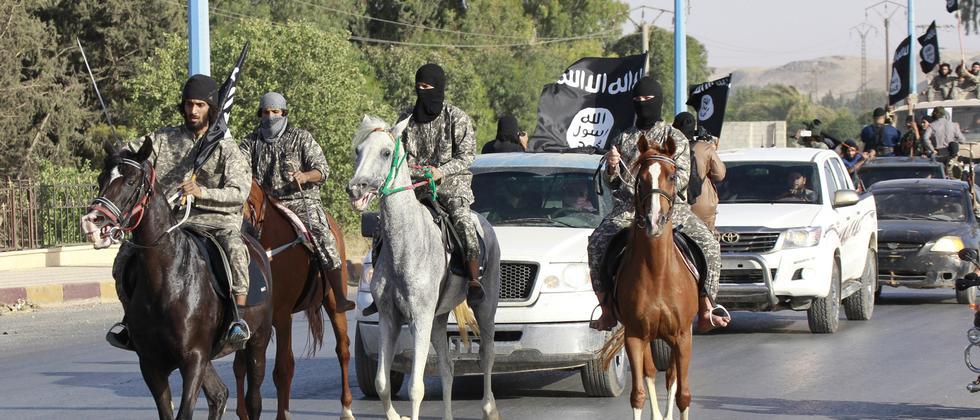 Kämpfer der Terrormiliz Islamischer Staat (IS) in Syrien