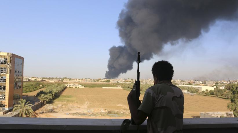 Libyen: Libyens Übergangsregierung tritt zurück