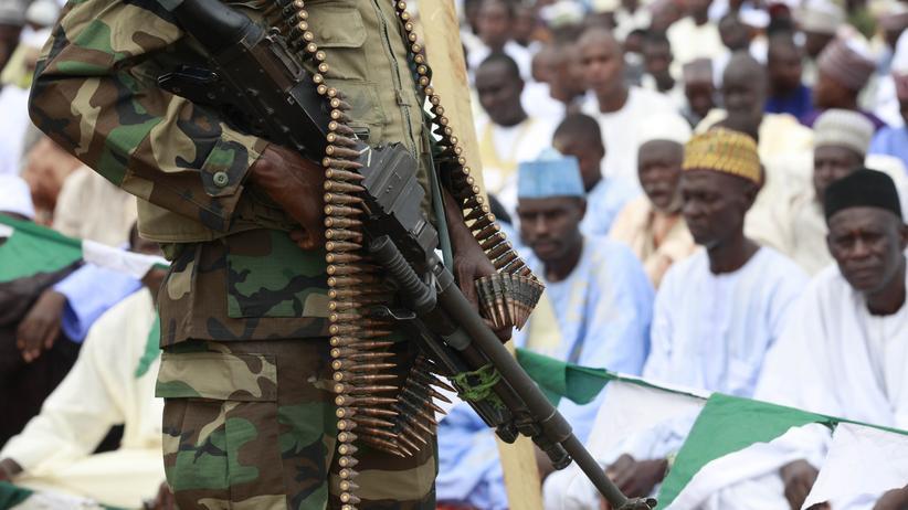 Nigeria: Das nigerianische Militär versucht, gegen die Terrorgruppe Boko Haram anzukämpfen.