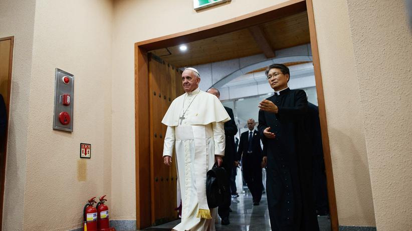 Asienreise: Papst Franziskus fordert China zum Dialog auf