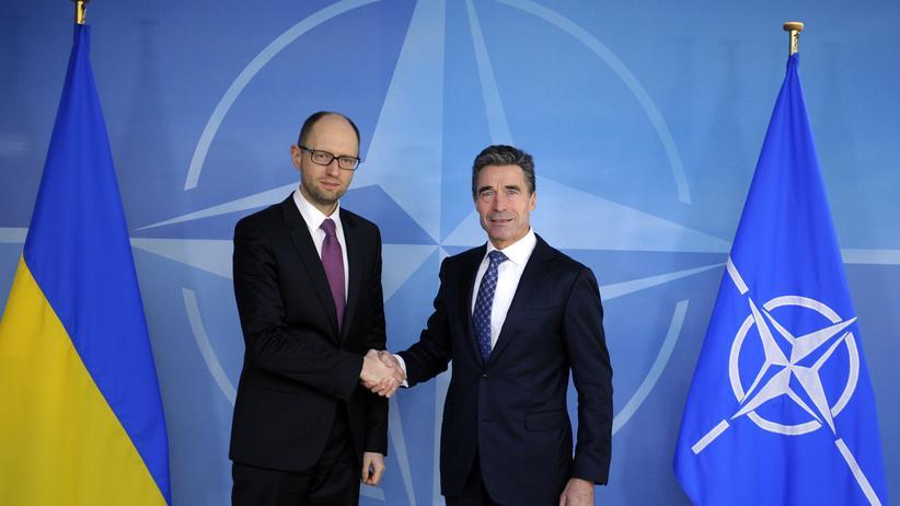 Ukraine-Konflikt: Jazenjuk will Nato-Beitritt der Ukraine erreichen