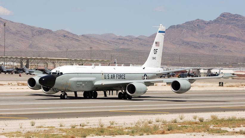 Ukraine-Krise: US-Spionageflugzeug flieht vor russischem Kampfjet