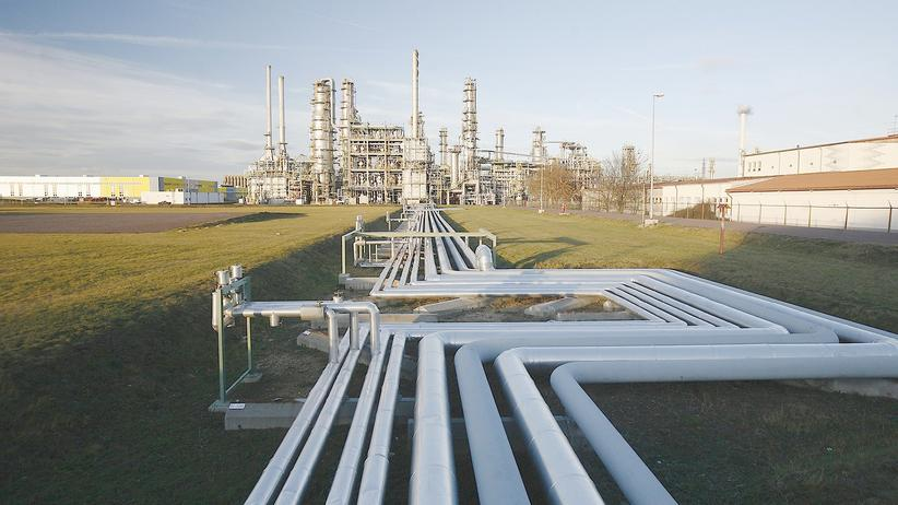 Pipelines im sächsischen Leuna. Hier kommt Erdöl aus Russland an.