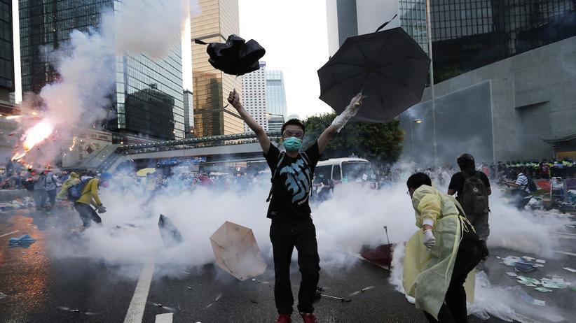 Hongkong: Polizei geht gewaltsam gegen Demokratiebewegung vor