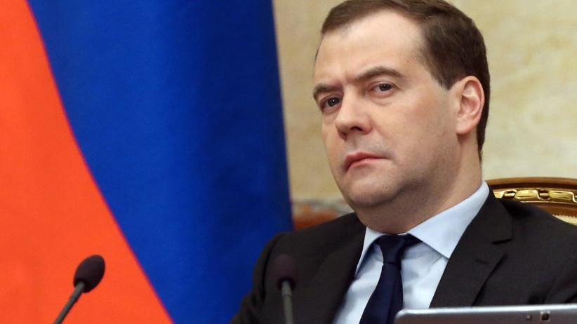 Ukraine-Krise: Medwedew droht mit Überflugverboten bei neuen Sanktionen