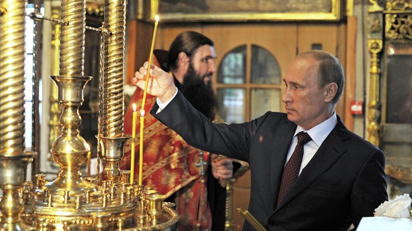 Russlands Präsident Putin in einer Moskauer Kirche
