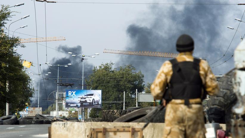 Ukraine-Krieg: Feuer in der Nähe des Flughafens in Donezk
