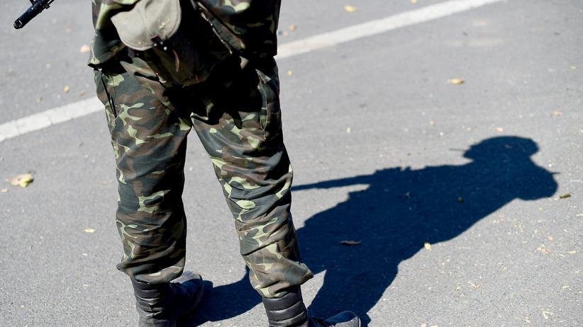 Ukraine-Konflikt: Ein prorussischer Kämpfer in Donezk