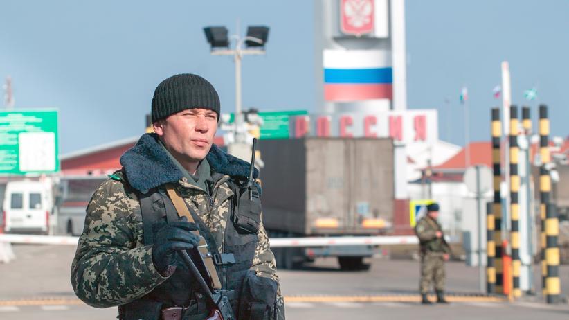Ukraine Russland Grenze Mauer Checkpoint