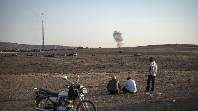Kämpfe um Kobani: Panzer, Rauch und schwarze Flaggen