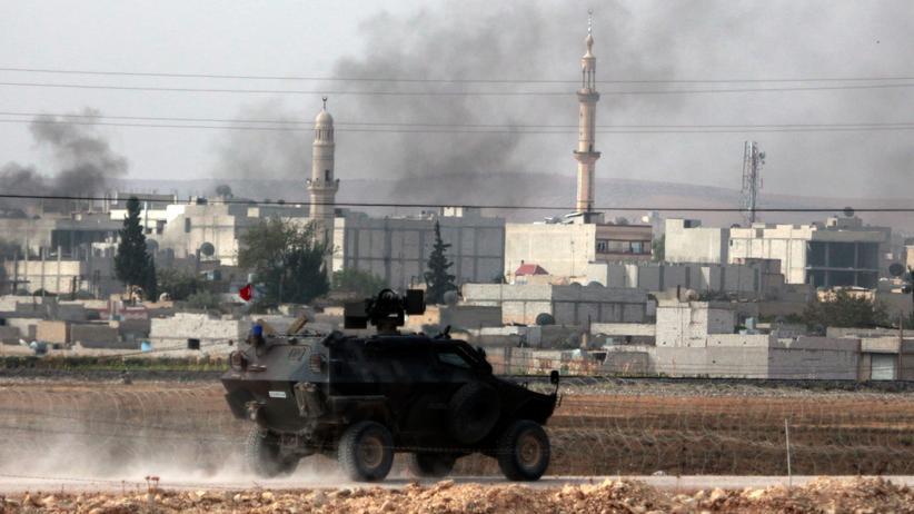 """""""Islamischer Staat"""": Die türkische Armee steht an der syrisch-türkischen Grenze bereit."""