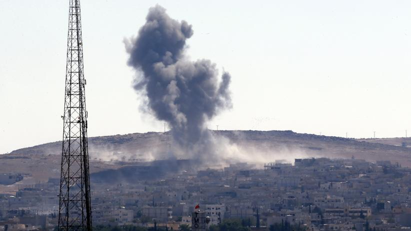 """""""Islamischer Staat"""": Rauchwolken über der umkämpften Stadt Kobani"""