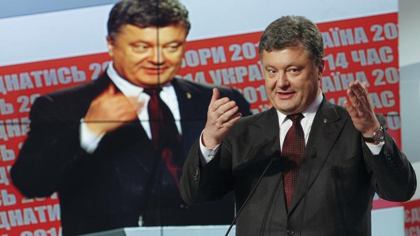 Ukraine-Wahl: Der Präsident der Ukraine, Petro Poroschenko, spricht nach der Parlamentswahl vor Medienvertretern in Kiew.