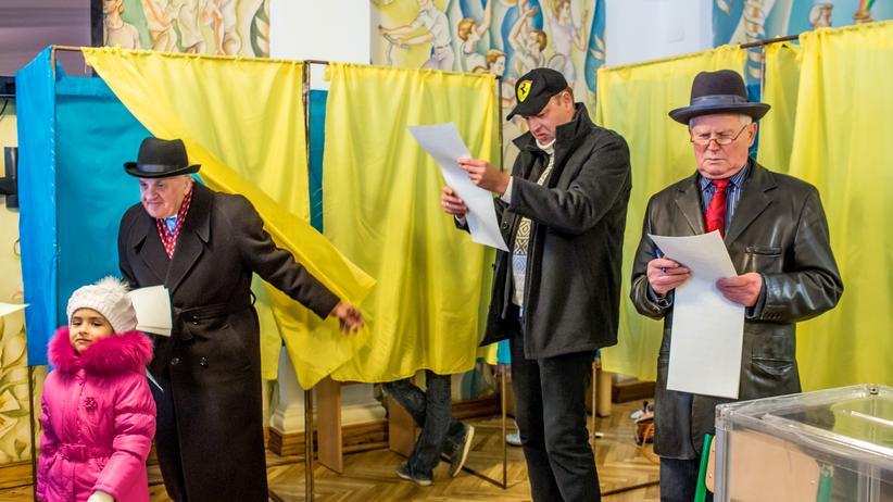 Ukraine: Russland beklagt schmutzigen Wahlkampf, erkennt Wahl aber an