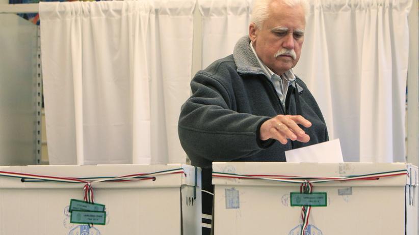 Kommunalwahlen Ungarn: Wahllokal in Budapest, Ungarn