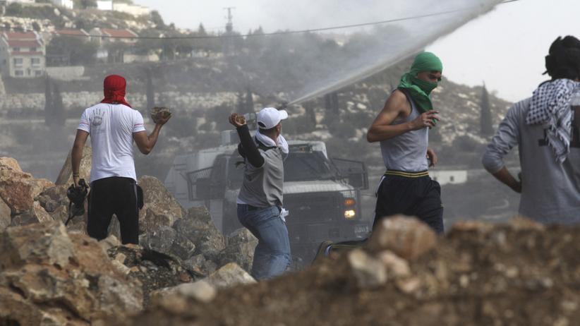 Westjordanland Jugendliche Steine