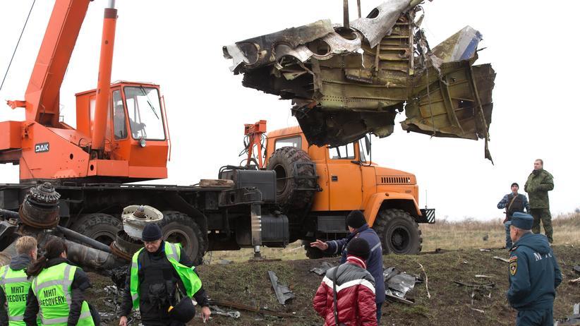 Ostukraine: Bergung von MH17-Wrackteilen hat begonnen