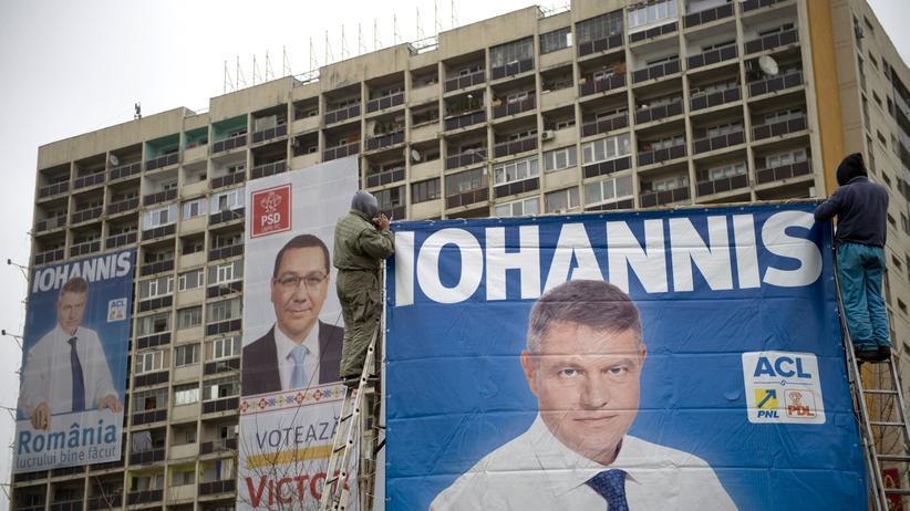Rumänien: Wahlplakate in der rumänischen Hauptstadt Bukarest