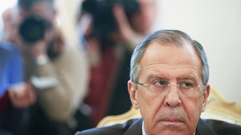Russland: Russlands Außenminister Sergej Lawrow bei einem Treffen mit seinem Amtskollegen aus Saudi-Arabien, Saud al-Faisal, in Moskau am 21. November