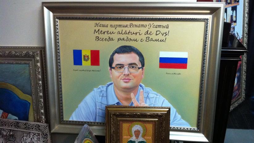 Parlamentswahl in Moldau: Renato Usatii auf einem seiner Geburtstagsgeschenke