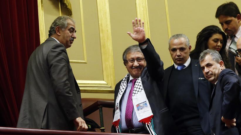 Nahost-Konflikt: Der palästinensische Delegierte Musa Amer Odeh dankt dem spanischen Parlament für die Anerkennung seines Staates.