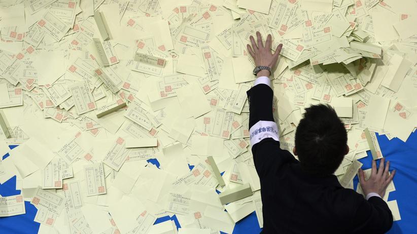 Japan Wahlen Abe