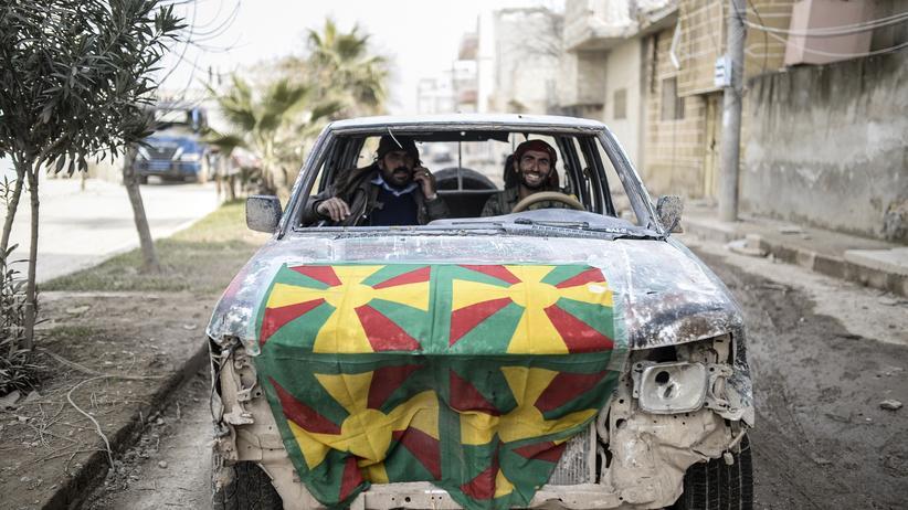 Islamischer Staat: Zwei kurdische Kämpfer im Zentrum von Kobani
