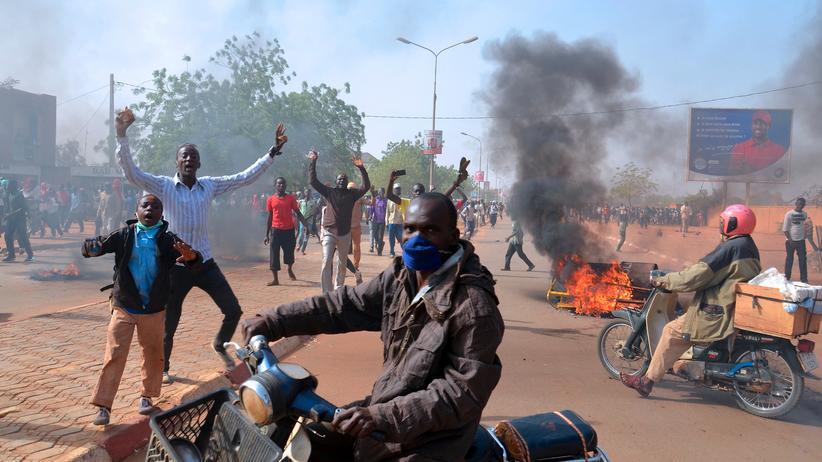 """Charlie Hebdo"": Demonstranten in Niamey"