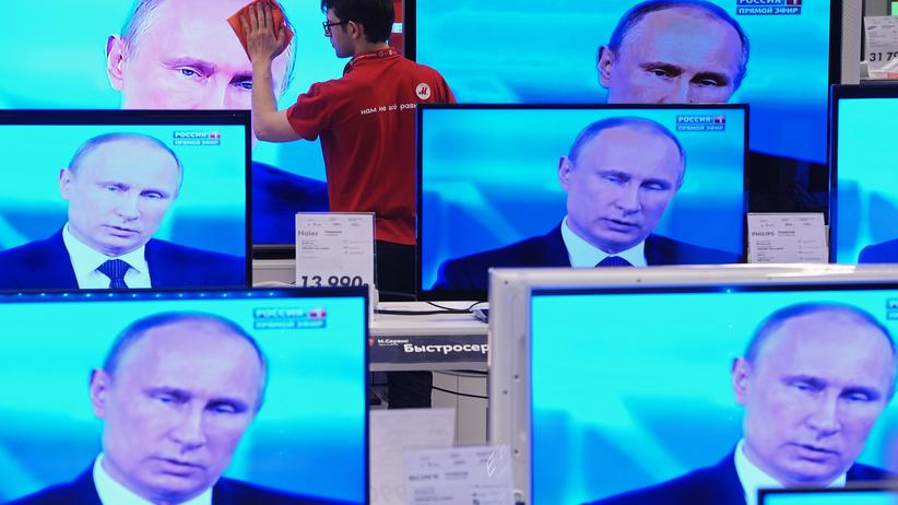 Russland: Dem Propaganda-Apparat geht das Geld aus