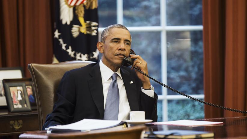 US-Präsident Barack Obama telefoniert im Weißen Haus (Archivbild).