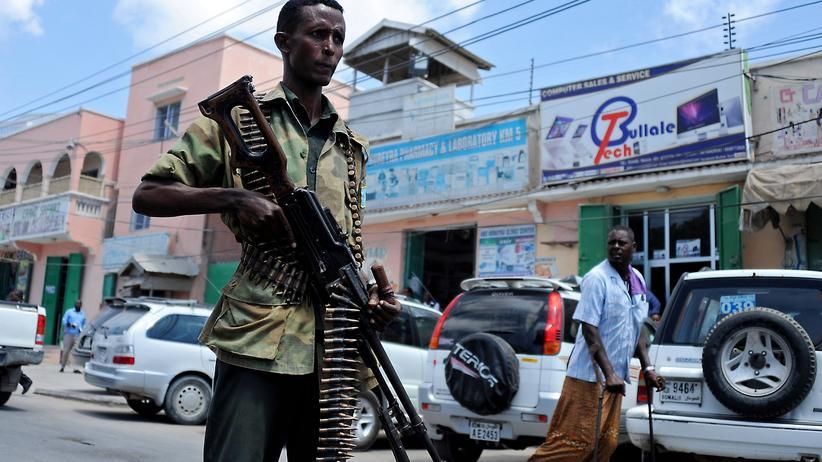 Somalia: Ein somalischer Soldat in Mogadischu