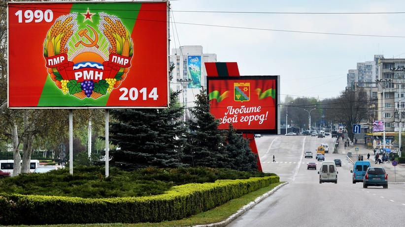 Wladimir Putin: Politik, Wladimir Putin, Nato, Russland, Moldau, Ukraine, Transnistrien, Rumänien, Aggression, Bevölkerung, Friedenstruppe, Parlamentswahl, Soldat, Gespräch, Konflikt, Präsident, Berlin, Moskau