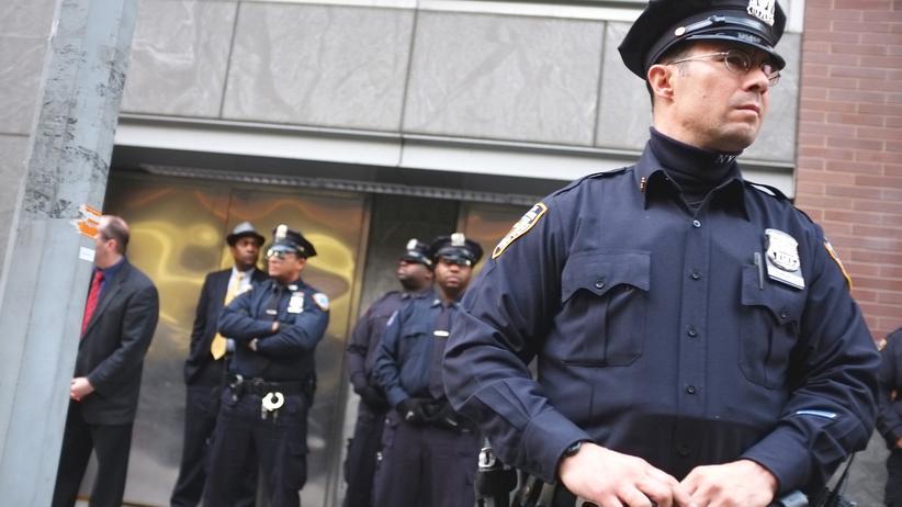 NYPD: New Yorks überflüssige Helfer