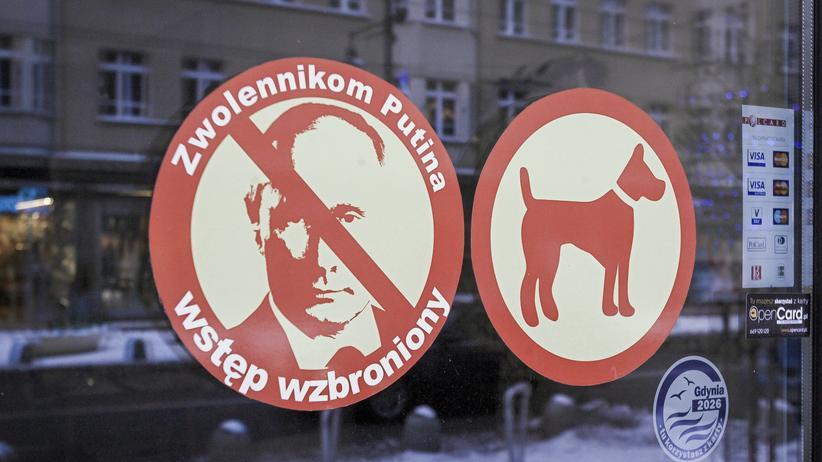 """Polen und Russland: Ein ukrainisches Restaurant in der polnischen Hafenstadt Gdynia wirbt mit dem Slogan """"Eintritt für Putin-Unterstützer verboten""""."""