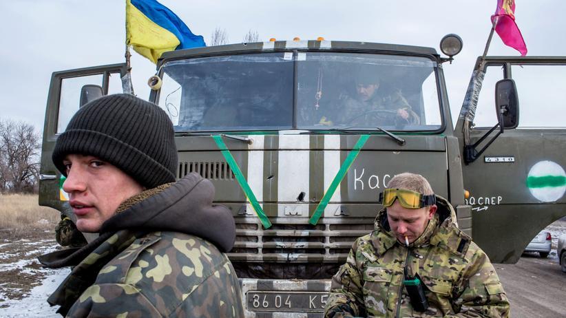 Ukrainische Soldaten nach ihrem Rückzug aus Debalzewe in Artemiwsk