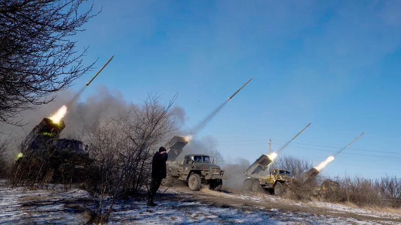 Ukraine-Krieg: Schweres Gerät der prorussischen Separatisten in der Nähe von Vuglegirsk