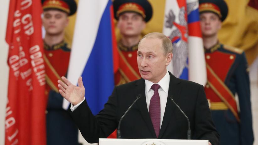 Ukraine-Krieg: Wladimir Putin während einer Rede vor Veteranen des Zweiten Weltkrieges