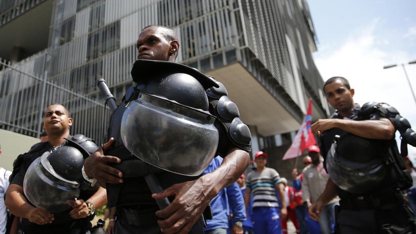 Brasilien: Proteste vor der Petrobras-Zentrale in Rio de Janeiro