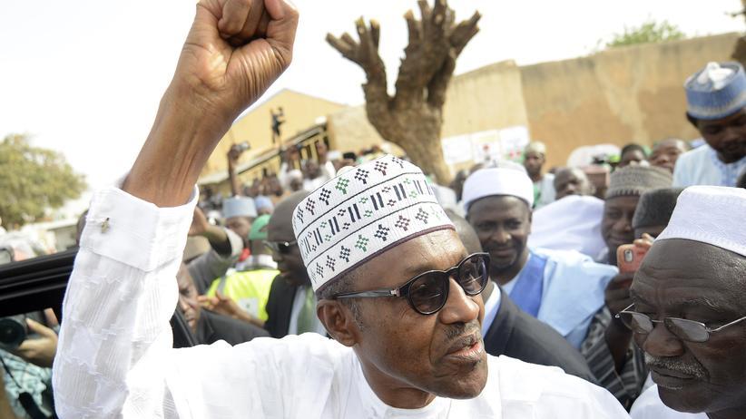 Präsidentschaftswahl: Machtwechsel in Nigeria