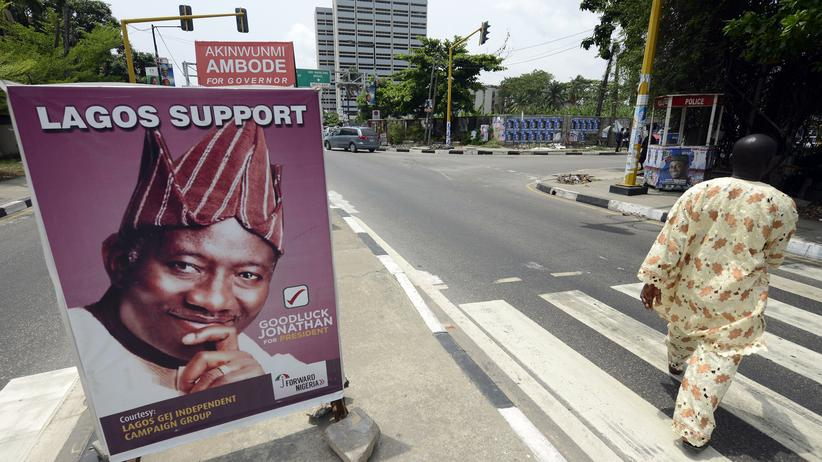 Nigeria: Politik, Nigeria, Nigeria, Boko Haram, Kofi Annan, Friedenstruppe, Wahl, Laurent Gbagbo, Gewalt, Elfenbeinküste, Kenia, Afrika, Den Haag