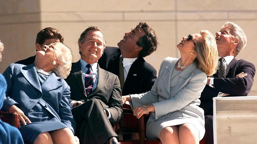 Clinton und Bush: Die Dynastie gewinnt