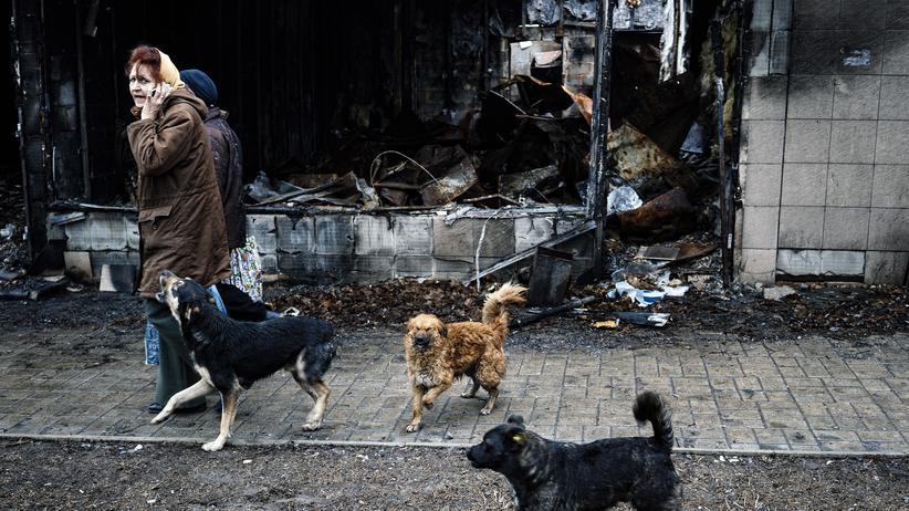 Ukraine-Krieg: Eine Straßenszene aus Donezk, das vor einem Jahr seine Unabhängigkeit erklärte