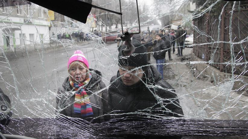 Ostukraine: Zerstörter Bus in Donezk (Archiv)