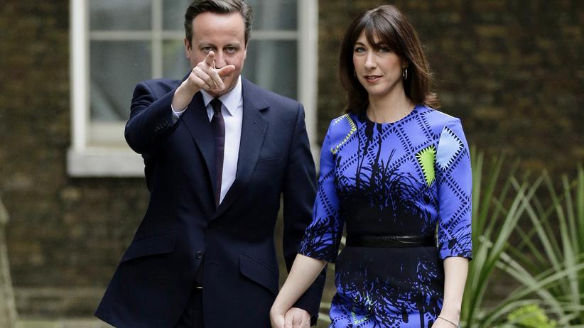 Wahl in Großbritannien: Der britische Premierminister David Cameron – Sieger der Wahl in Großbritannien –und seine Frau Samantha