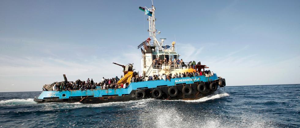 Flüchtlinge Boot Mittelmeer