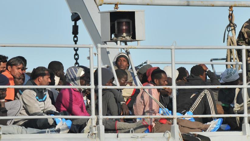 Politik, Entwicklungspolitik, Entwicklungspolitik, Flüchtling, Europa, Theo Sommer, Grenzschutz, Gerd Müller, Eritrea, Mali, Senegal, Somalia, Irak, Kenia, Nigeria, Syrien