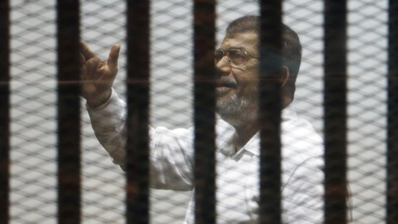 Muslimbrüder: Ägyptens Ex-Präsident Mursi zum Tode verurteilt