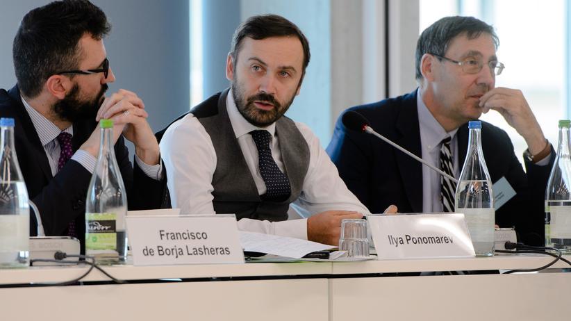 Ilja Ponomarjow bei einer Veranstaltung der Böll-Stiftung in Berlin