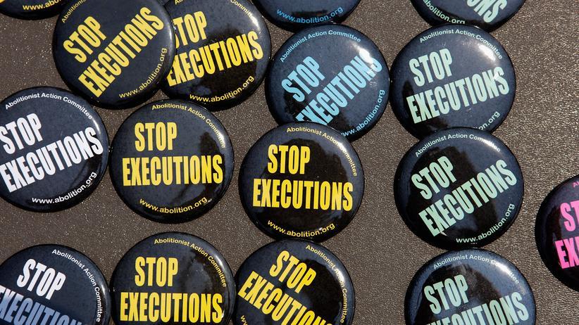 USA: Buttons der Gegner der Todesstrafe in den USA.