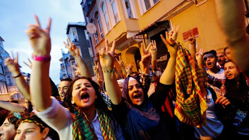 Türkei: Anhänger der prokurdischen HDP feiern ihren Erfolg.